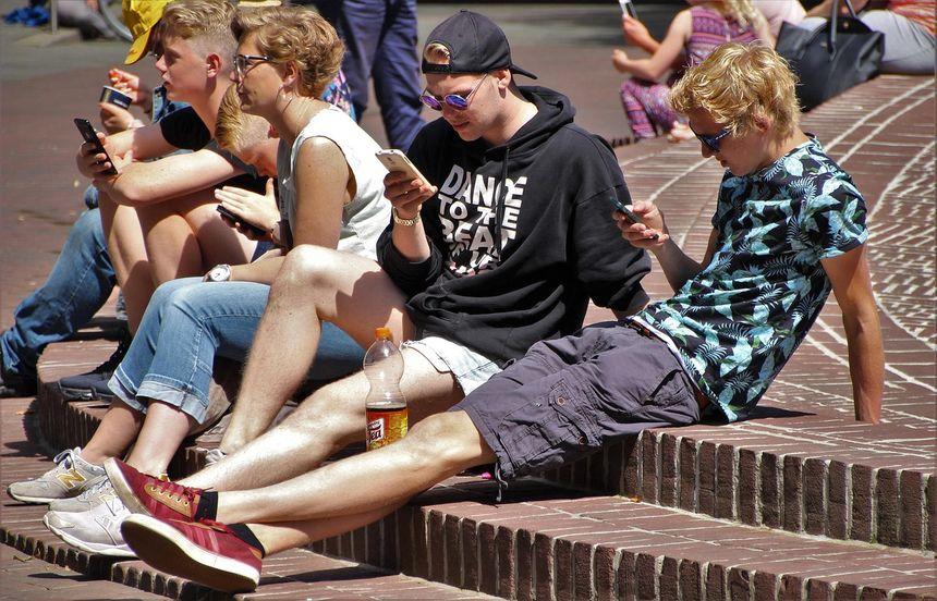 niebezpieczeństwa nastoletnich randek internetowych