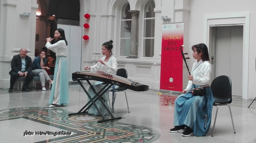 """Butterfly dream"" na guzheng, dizi i erhu"