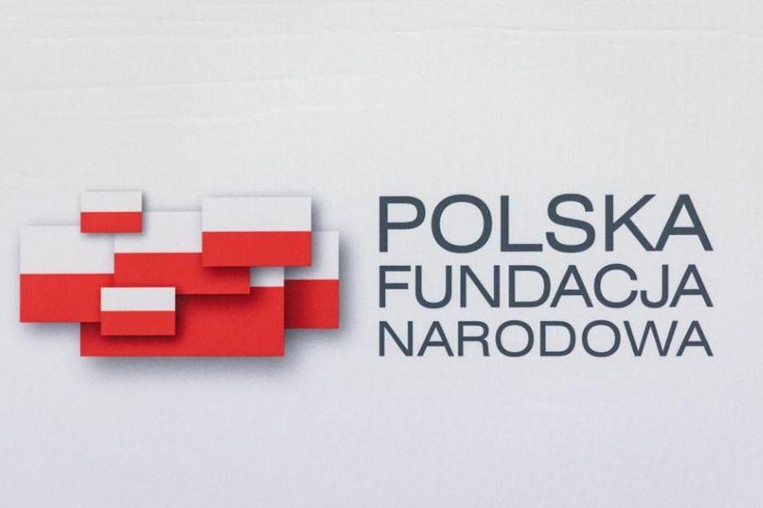Polski czat assets.pnconnect.porternovelli.com