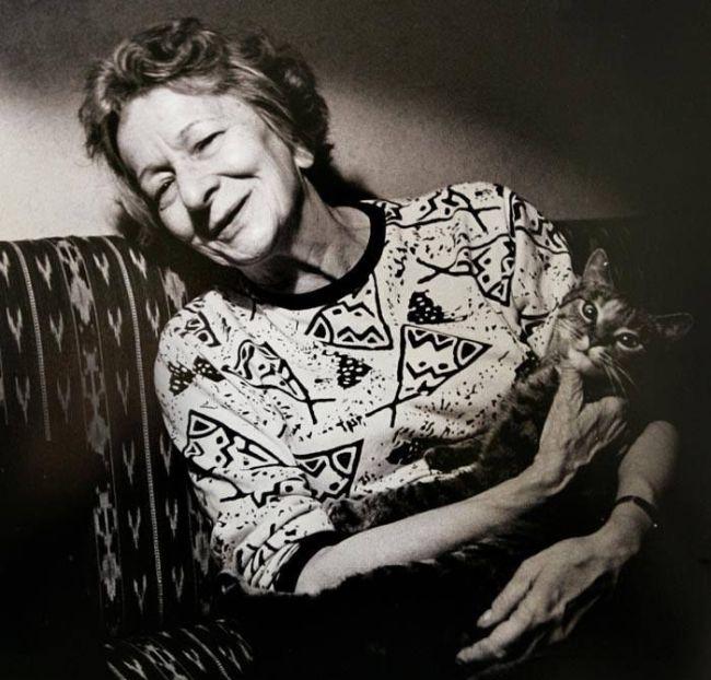 Szymborska, cat in an empty apartment, cat's day, living room24